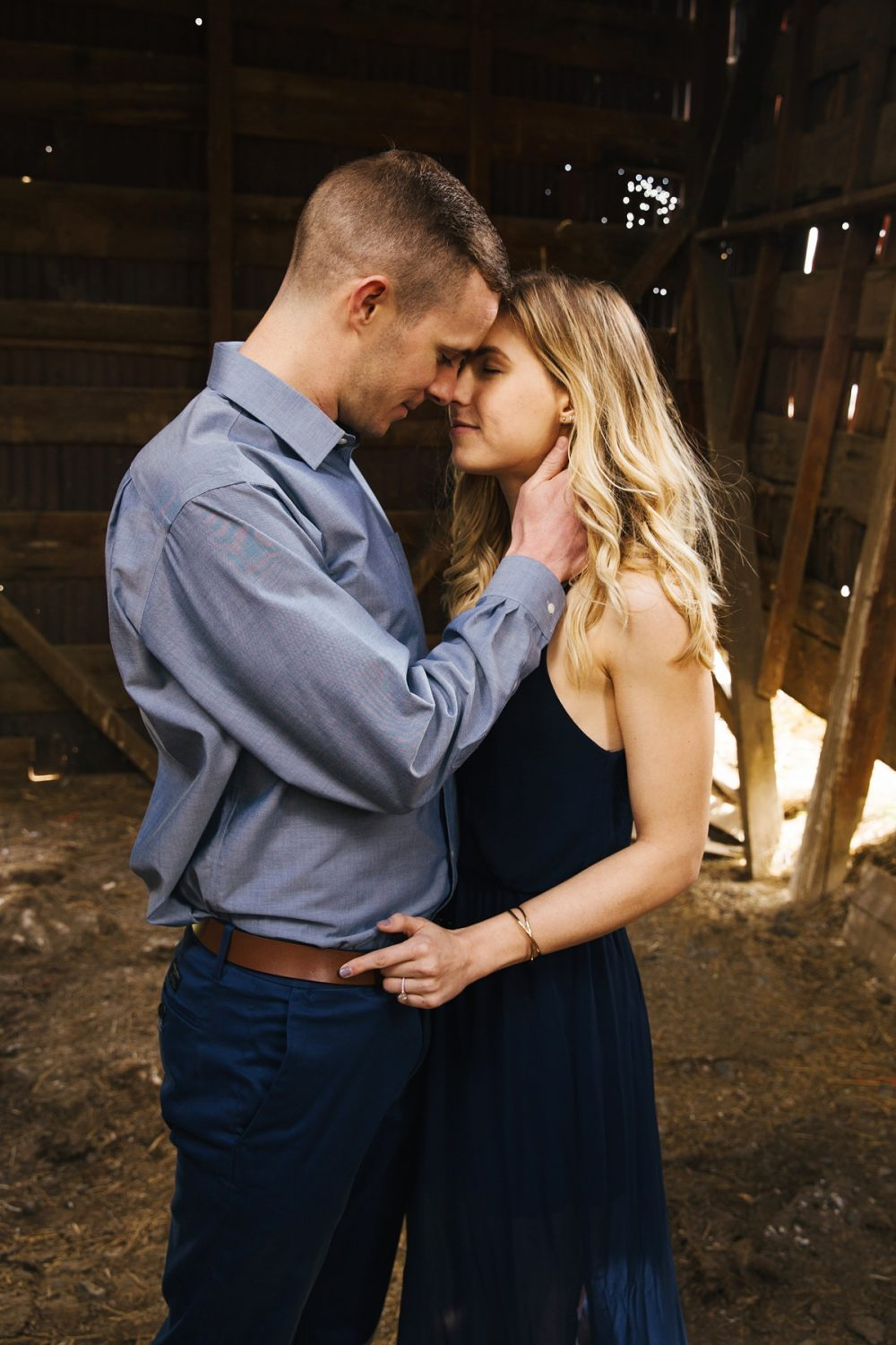 Abandoned house, abandoned house engagement, engagement photography, engagement pictures, spooky engagement, abandoned farm house, farm engagement, farm house engagement
