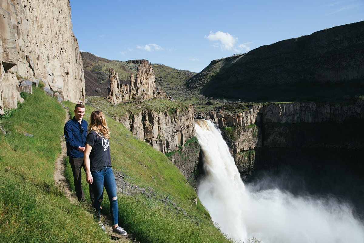 Couple walking on trail at Palouse Falls