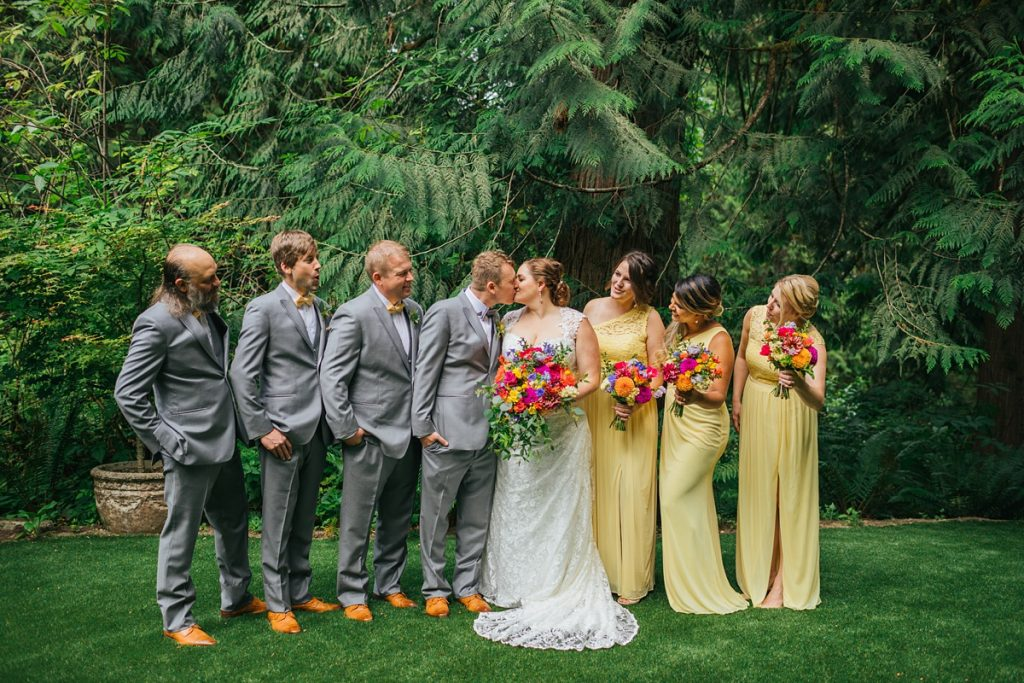 TreeHouse Point Wedding bride and groom with bridal party
