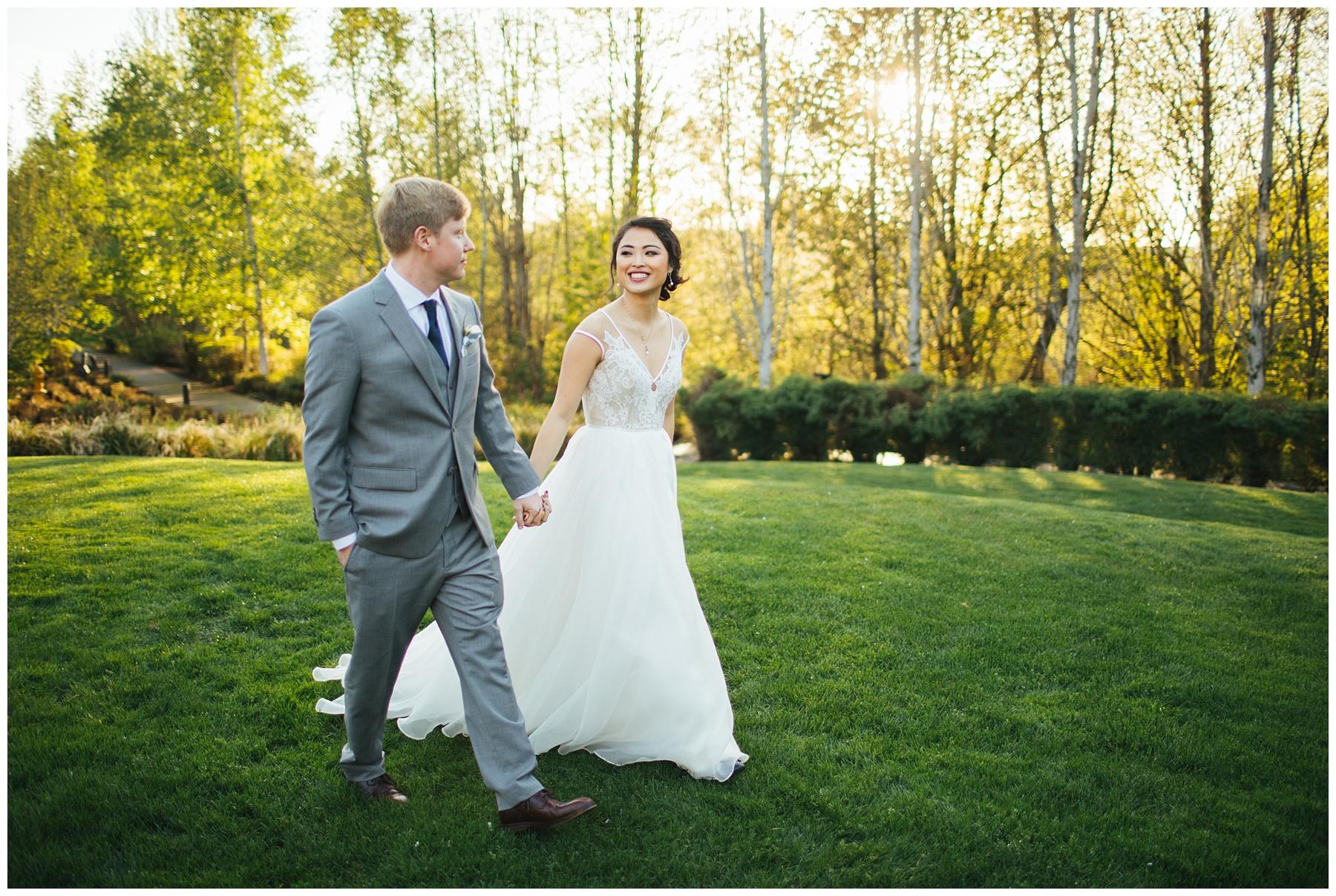 Cedarbrook Lodge Wedding bride and groom portraits during golden hour