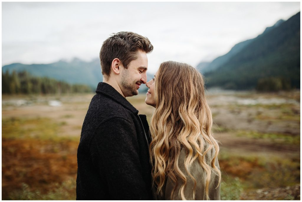 Snoqualmie Pass Lake Keechelus Engagement Session