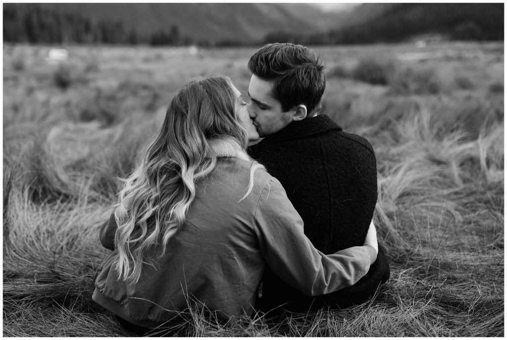 Snoqualmie Pass Lake Keechelus Engagement Session kissing in black and white